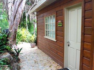 Bungalow at Jonesville Point Marina - Jonesville vacation rentals