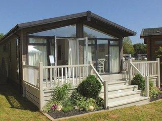 3 Bedroom Deluxe Lodge at Norfolk Park - North Walsham vacation rentals
