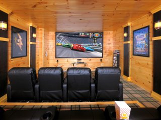Brigadoon V - Fantastic Theater Room(10' screen), Game Room, Hot Tub, Spacious!! - Gatlinburg vacation rentals