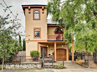 Bright 4 bedroom Villa in Portland with Deck - Portland vacation rentals