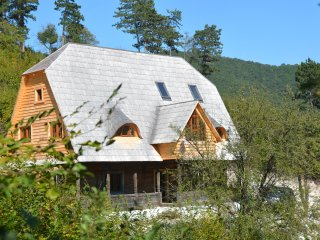 Traditional Transylvanian house in Sunset Mountains near Turda, Cluj - Turda vacation rentals