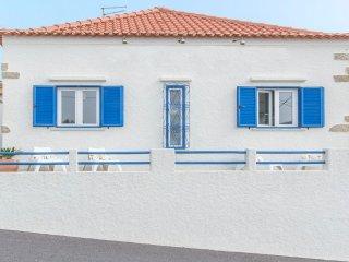 Charming 5 bedroom Atalaia Villa with Internet Access - Atalaia vacation rentals
