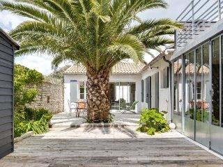 Maison de caractère rénovée à l'Île de Ré - Le Bois-Plage-en-Re vacation rentals