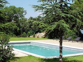 Studio avec terrasse, dans un mas provençal, aux p - Meyreuil vacation rentals