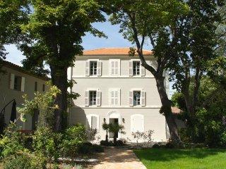 Spacieux trois-pièces avec jardin dans une bastide - Meyreuil vacation rentals