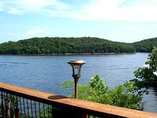 State Park - Lakeside Condo - Perfect for Four - Kaiser vacation rentals