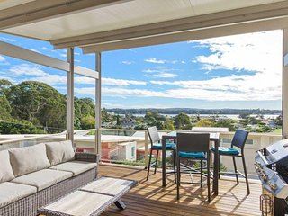 1/21 Bavarde Avenue On the Golf Course and Views - Batemans Bay vacation rentals
