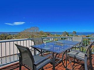 78 Vista Avenue Views across the Bay - Batehaven vacation rentals