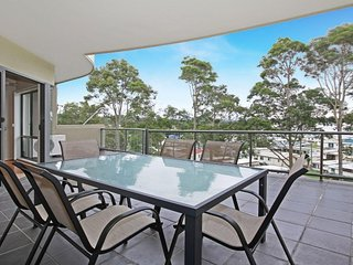 9/5 Crag Road Ultimate Luxury Living - Batehaven vacation rentals