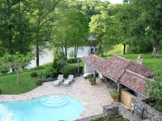 Charming 2 bedroom House in Chalais - Chalais vacation rentals