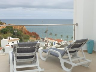 **New listing**Beautiful 1 bedroom apartment with excellent sea views - Olhos de Agua vacation rentals