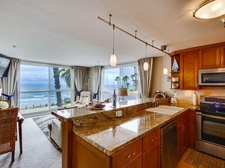 Casey`s Ocean Front Corner Condo: Oceanfront, on the Boardwalk with community - San Diego vacation rentals