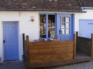Chez Robins, a pretty, accessible, rural paradise. - Trie-Chateau vacation rentals