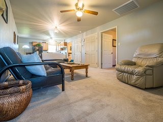 Echt House (The Ranch) - Near Magnolia Market, Baylor & Cameron Park - Elm Mott vacation rentals