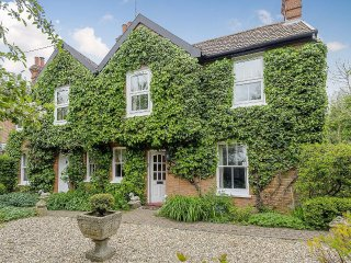 Beautiful Victorian Farmhouse set in a  wonderful garden in the heart of Suffolk - Otley vacation rentals