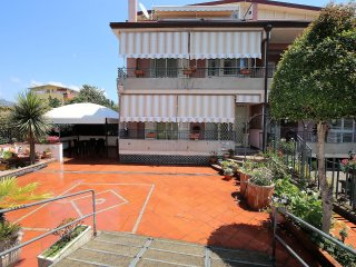 Casa Mimì - Terraced house with parking place near the sea in Giardini Naxos - Giardini Naxos vacation rentals
