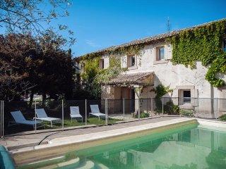 La maison du bonheur - Maison de charme -piscine chauffée-  GRIGNAN - Grignan vacation rentals