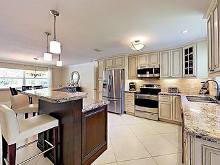 5BR Villa w/ Pool, Near Five-Star Beaches & Downtown at the Gardens - Palm Beach Gardens vacation rentals