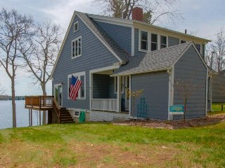 Charming lakefront home w/ private dock, wood fireplace & modern conveniences - Winthrop vacation rentals