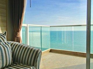 Dasiri Cetus 1BR Beachfront Condo 27th Floor - Jomtien Beach vacation rentals