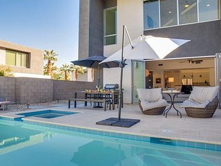 Downtown Cosmo at the Dakota - Palm Springs vacation rentals