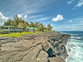 Oceanfront 2BR Keaau Sunrise Paradise House! - Keaau vacation rentals