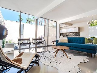 Modernist Gem - Sleeps 4 -Beautiful Restored Historic Midcentury Architecture - Palm Springs vacation rentals