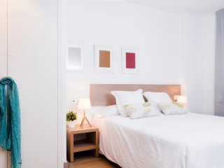 Plaza one bedroom apartment - World vacation rentals