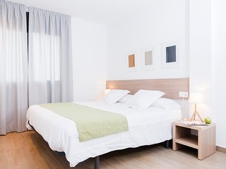 Plaza one bedroom with terrace apartment - World vacation rentals