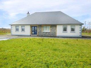 CUILMORE HOUSE, ground floor detached cottage, lawned gardens, near Gorteen Co - Rathmadder vacation rentals