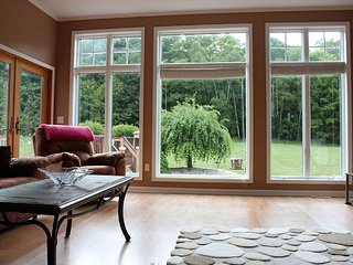 Spacious House with A/C and Satellite Or Cable TV - Harbor Springs vacation rentals
