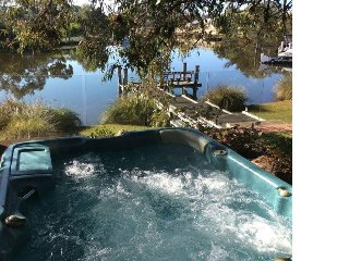 Wisteria Waters - Tranquil and Serene Getaway - South Yunderup vacation rentals