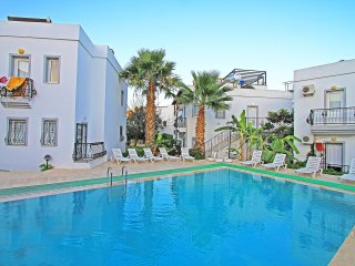 Bodrum Gümbet Apartment With Shared Swimming Pool # 162 - Gumbet vacation rentals