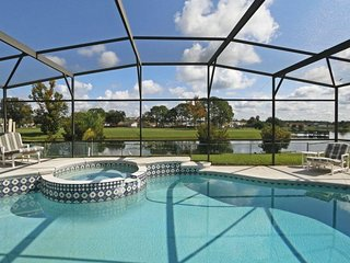 Watch Fireworks Over the Water Minutes From Disney - United States vacation rentals