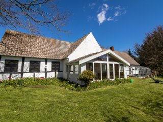 Unique XVIII century country house for up to 10 persons - Paradise on Earth - Rønne vacation rentals