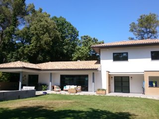 4 bedroom House with Television in Assas - Assas vacation rentals