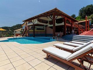 Kares Estate studio de lux - Heraklion vacation rentals