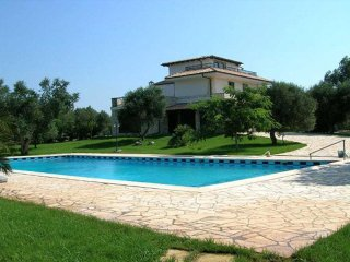 Nice House with Balcony and Satellite Or Cable TV - Muro Leccese vacation rentals