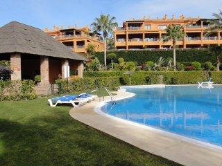 Your Holidays close to the beanch and Atalaya Golf in Estepona - Benamara vacation rentals