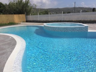 Depis Naxos Elegant villa with pool and jacuzzi+ free car rental - Plaka vacation rentals