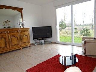 Pavillon neuf, coin paisible et calme, idéal en famille - Saint-Just-Sauvage vacation rentals