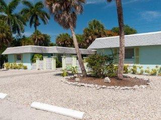 Palm Court Villas- 210 A Magnolia Ave, Anna Maria - Anna Maria vacation rentals
