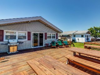Waterfront retreat w/ private deck and dock - ocean access! - Ocean City vacation rentals