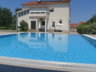 Apartment Suzy 4 with pool SPECIAL OFFER 7=6!! - Malinska vacation rentals