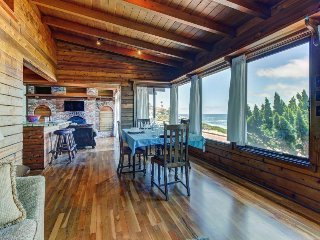 Charming La Jolla oceanfront beach cabin w/jetted tub! Amazing location & views! - La Jolla vacation rentals