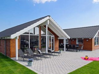 Bright 5 bedroom Kappeln House with Shared Outdoor Pool - Kappeln vacation rentals