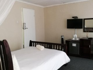Bright Livingstone Guest house rental with A/C - Livingstone vacation rentals
