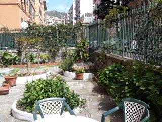 Appartamento con giardino e posto auto indipendente vicino all'ospedale Gaslini - Sturla vacation rentals