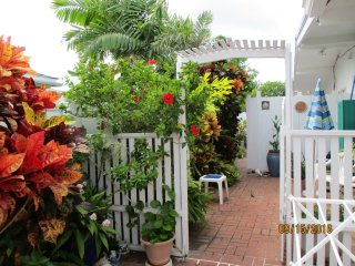 Cozy Kailua Studio rental with Internet Access - Kailua vacation rentals