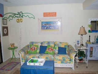 Townhouse style condo with pool! - Pine Knoll Shores vacation rentals